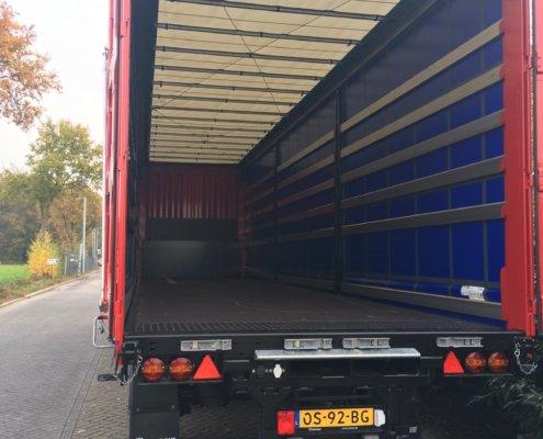 Schuifzeilenoplegger huren via Bos European Trailer Rental